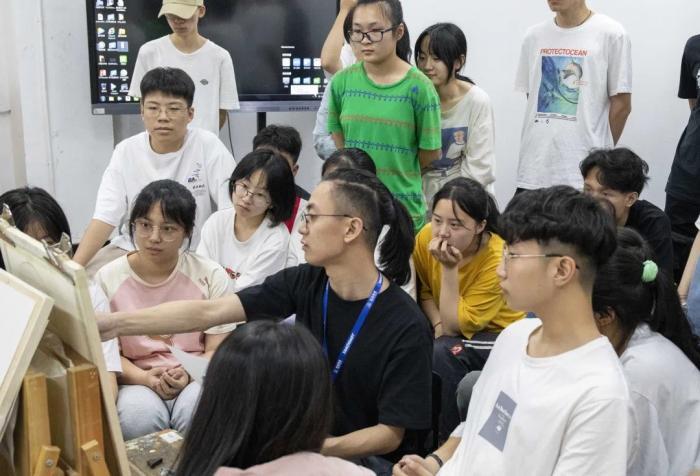 北京和杭州的画室选在哪里好呢?选择前一定要先明确好自己的方向!