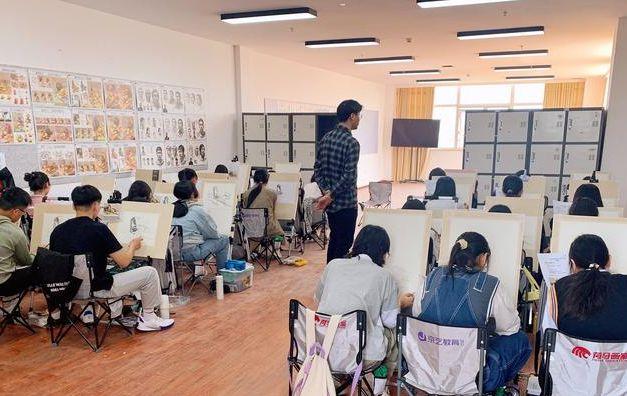 北京美术高考集训画室哪家好?记着这几点,选择时不踩坑!