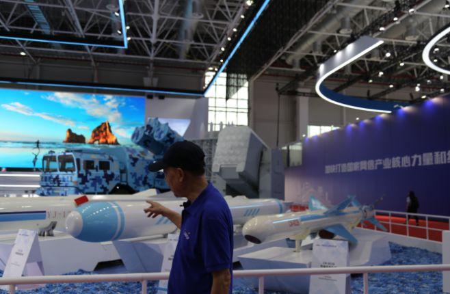 军事专家带你逛2021珠海航展,国之重器,鹰击长空!