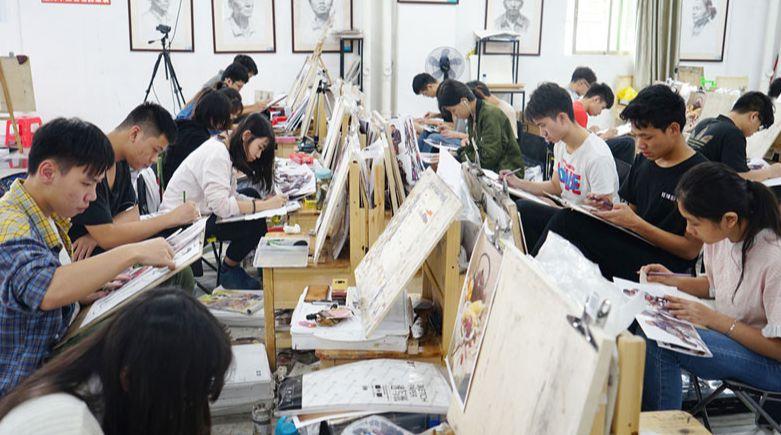 美术生集训生活是什么样的?美术生集训亲身经历分享