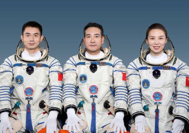王亚平将成中国首位出舱女航天员,她与武汉有渊源!