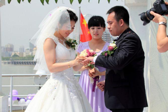 海底捞回应承办婚礼,正在与客户协商!